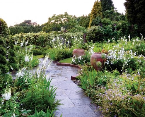 Photo of a garden by Mark Payne Landscape Design